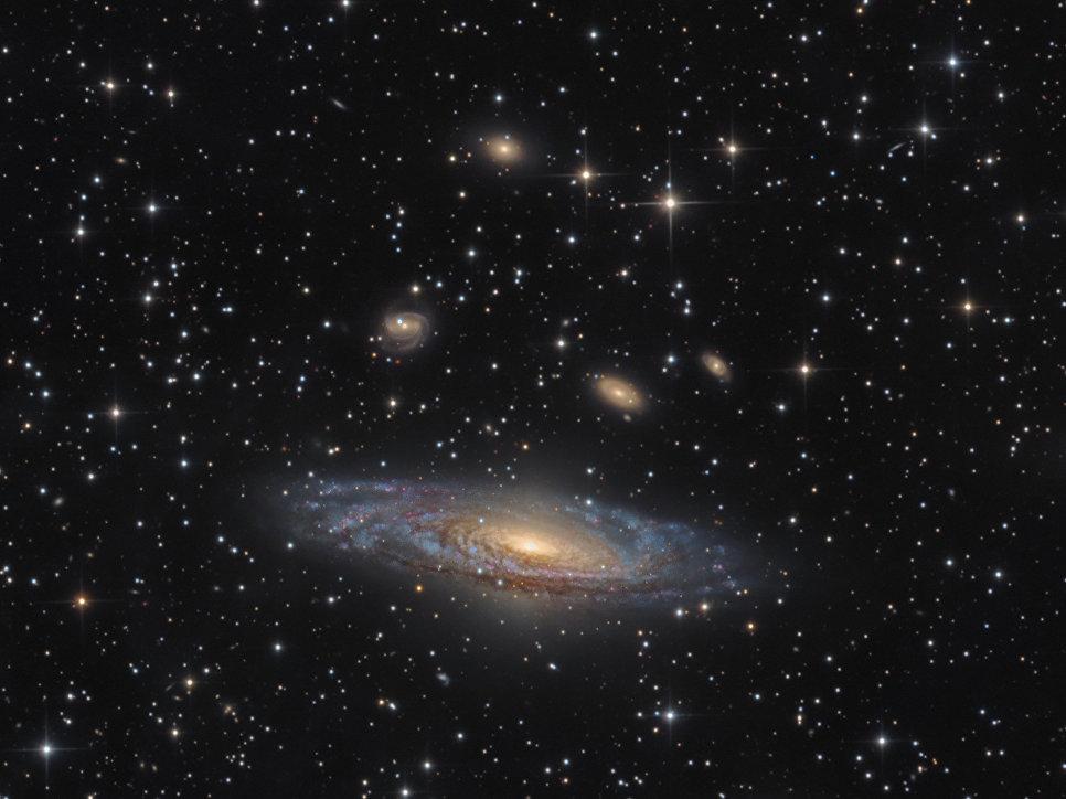 Работа фотографа Bernard Miller NGC 7331 - The Deer Lick Group, вошедшая в шорт-лист Insight Astronomy Photographer of the Year 2017