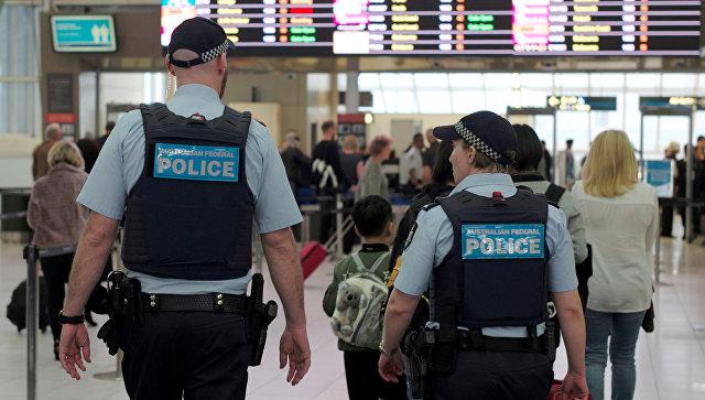 Австралийские полицейские в аэропорту Сиднея