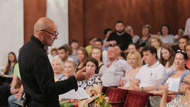Сбор труппы в Театре на Малой Бронной