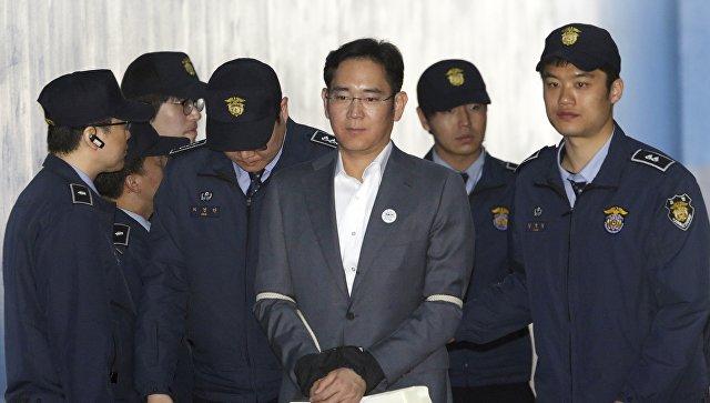 Приговоренный к пяти годам тюрьмы глава Samsung подал на апелляцию
