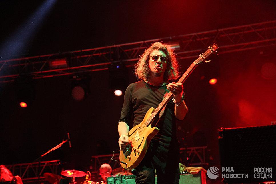 Сергей Галанин выступает на концерте в первый день музыкального фестиваля ZBFest в Балаклаве