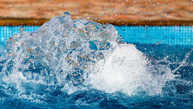 Вода в бассейне. Архивное фото