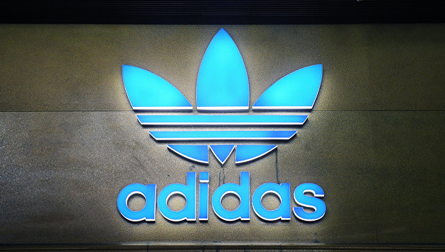 Литва выразила сомнение поповоду наличия советской символики напродукции Adidas