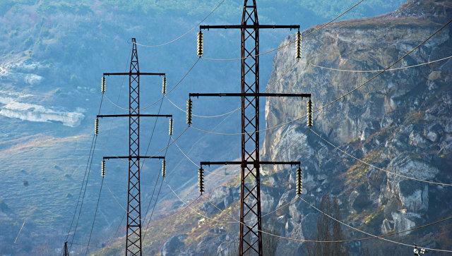 Линии электропередач в окрестностях Севастополя. Архивное фото