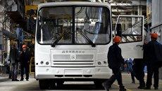 Сборка первых автобусов на государственном предприятии Донецкгормаш. Архивное фото