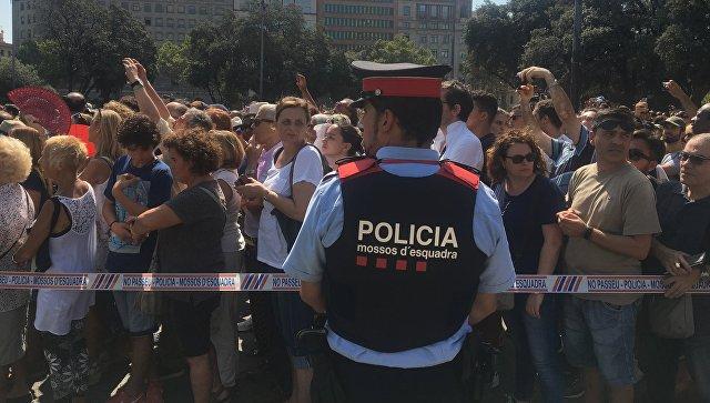 Втеракте вБарселоне пострадали неменее  20 французов
