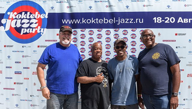 Музыканты Эдвард Рубио, Джозеф Ласти, Мервин Кэмпбелл и Митчелл Плейр на пресс-конференции коллектива Joe Lastie's New Orleans Sound в рамках фестиваля Koktebel Jazz Party 2017. 19 августа 2017