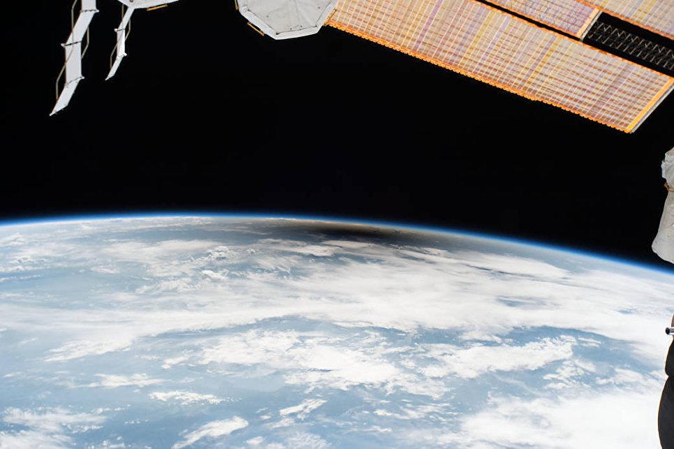 Тень на США во время солнечного затмения снятая с борта МКС. 21 августа 2017