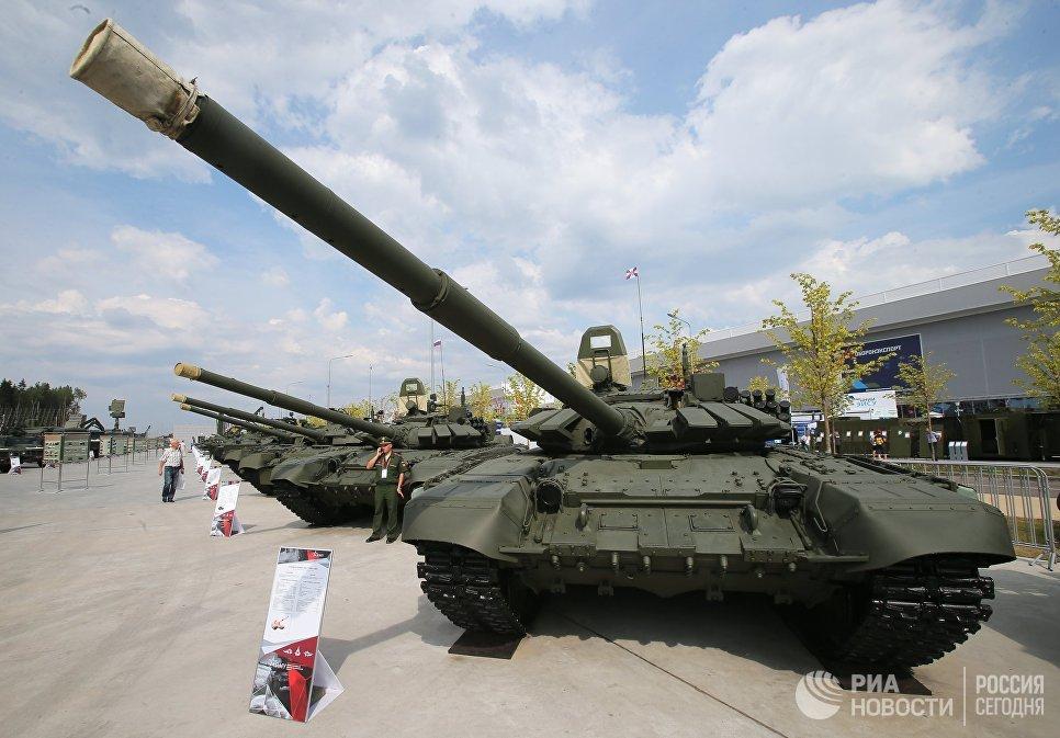 Танки Т-72Б3 на международном военно-техническом форуме Армия-2017 в Московской области