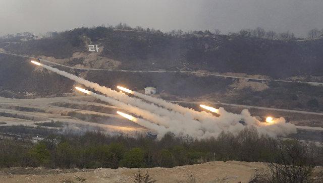 Военные учения в Южной Корее на границе с КНДР. Архивное фото