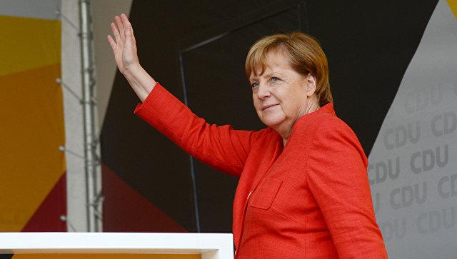 Меркель сравнила присоединение Крыма к России с разделением Германии
