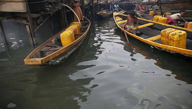 Нареке Нигер перевернулся паром, 17 погибших, 26 человек пропали без вести