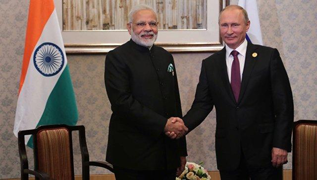 Президент РФ Владимир Путин и премьер-министр Республики Индии Нарендра Моди. Архивное фото