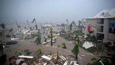 Отель Mercure во французской части острова Сен-Мартен в Карибском море во время урагана Ирма