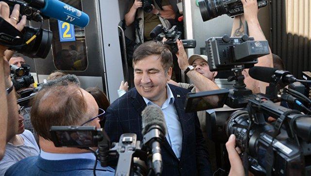 Саакашвили обвинил в своих злоключениях Путина и ФСБ и призвал украинцев добиться мирной отставки Порошенко