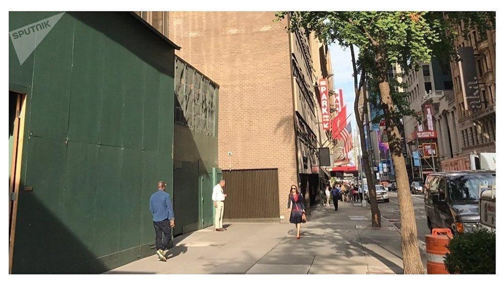 Часы госдолга США в Нью-Йорке убрали после достижения отметки $20 триллионов