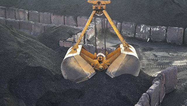 Разгрузка угля в Одессе. Архивное фото