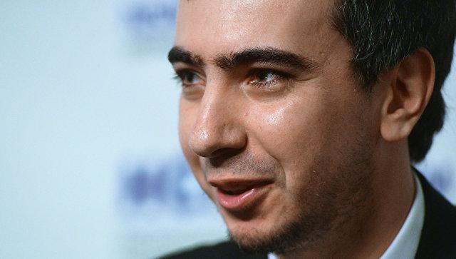 Пранкер назвал предполагаемую дату встречи Волкера и Суркова