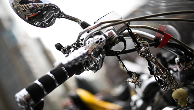 Руль мотоцикла. Архивное фото