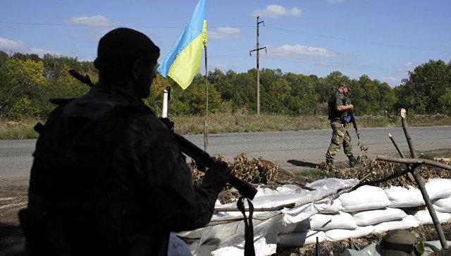 Украинские военные в Луганской области