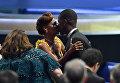 Актер Стерлинг К. Браун и его жена Райан Мишель Бате на церемонии награждения телевизионной премии Эмми-2017 в Лос-Анджелесе
