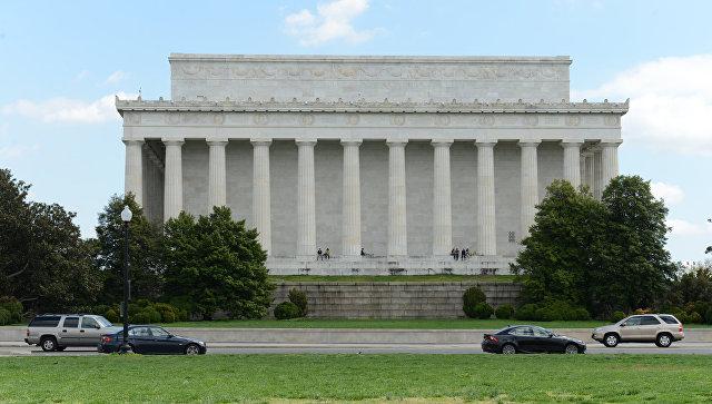 """""""Здесь был Нурик"""": в Вашингтоне повредили памятник Линкольну"""