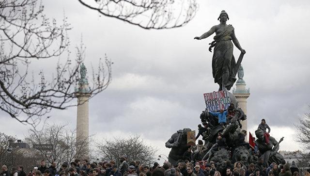 Демонстрация из-за проекта трудовой реформы в Париже, Франция. 9 марта 2016