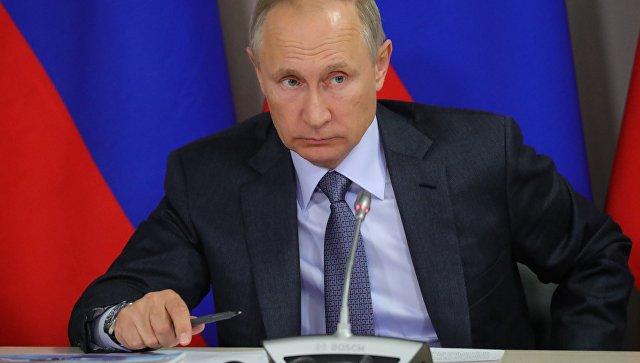 Песков не знает, когда Путин объявит свою позицию по участию в выборах
