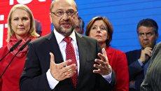 Лидер Социал-демократической партии Мартин Шульц после объявления результатов первых экзитполов парламентаских выборов в Германии. 24 сентября 2017