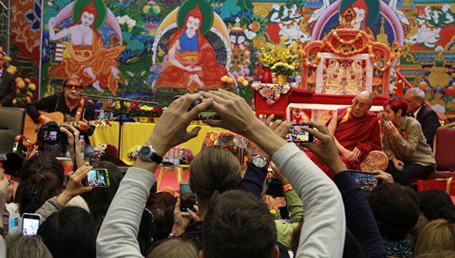 Далай-лама ответил Гребенщикову, как сделать людей добрее
