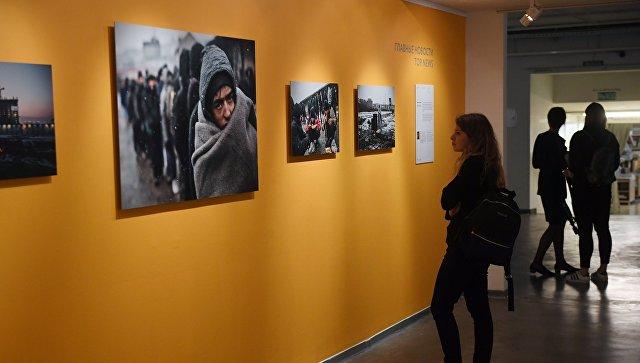 На выставке работ финалистов Международного конкурса фотожурналистики имени Андрея Стенина в Москве