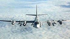 Стратегический бомбардировщик-ракетоносец Ту-95МС наносит удары крылатыми ракетами Х-101 по объектам террористов в Сирии. 26 сентября 2017
