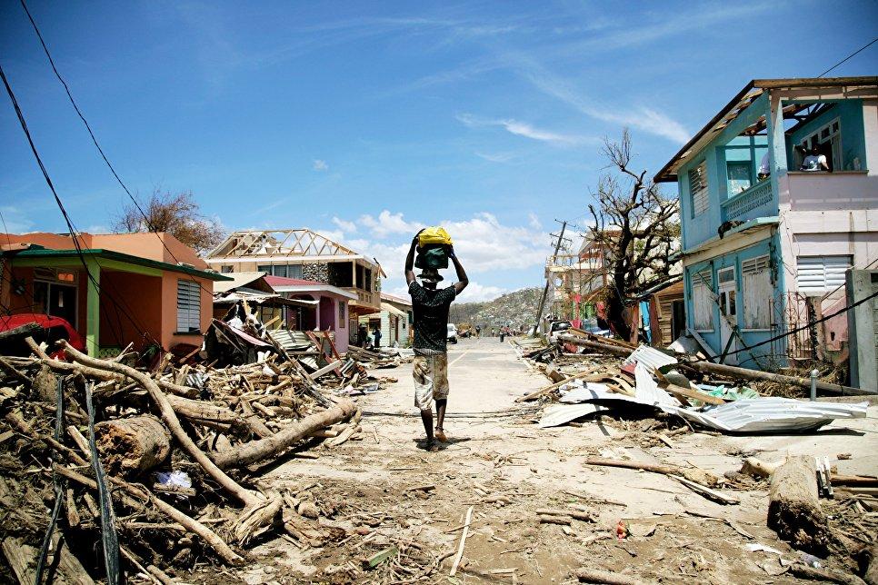 Последствия урагана Мария на острове Доминика в Карибском море.