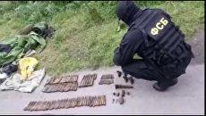Оружие, изъятое ФСБ РФ в ходе мероприятий по пресечению противоправной деятельности групп и отдельных лиц, причастных к организации незаконного оборота средств поражения. 29 сентября 2017