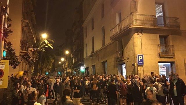 ВКаталонии начался референдум истолкновения сполицией