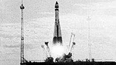 Запуск первого советского искусственного спутника Земли. Кадр из цветного документального фильма 10 лет космической эры