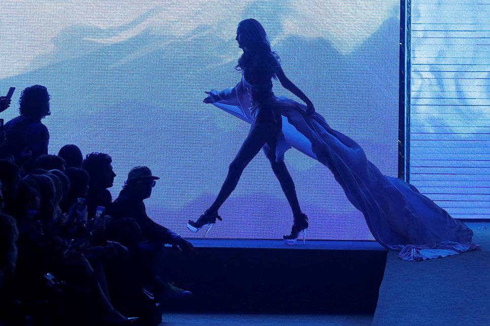 Показ коллекции Etam в рамках Недели моды в Париже