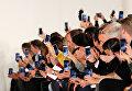Зрители на показе John Galliano в рамках Недели моды в Париже