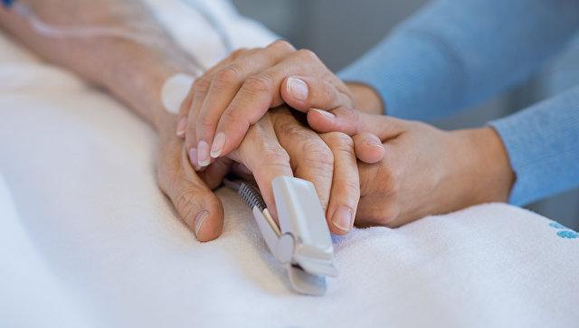 Пациент в больнице. Архивное фото
