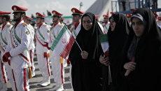 Годовщина исламской революции на площади Свободы в Тегеране