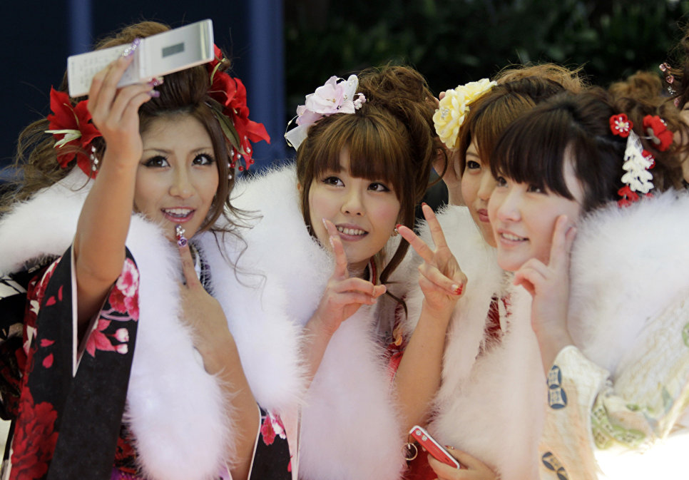 Унизительная жизнь японских девушек