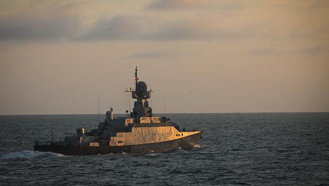 Малый ракетный корабль Град Свияжск во время учений Каспийской флотилии. Архивное фото