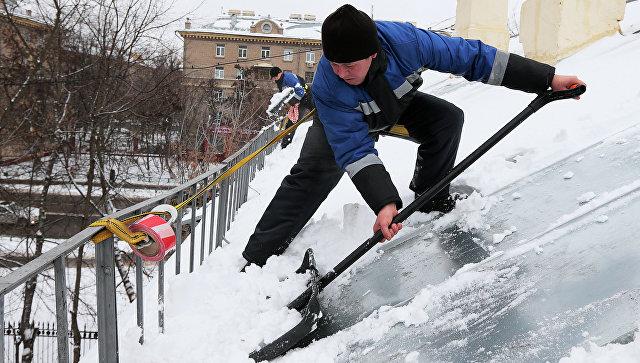 Власти столицы проконтролируют зимой чистку крыш отснега