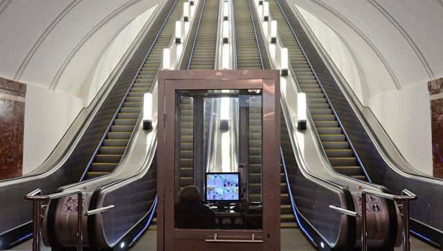 Новые эскалаторы на станции метро
