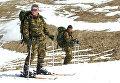 Военнослужащие разведывательной роты специального назначения 33-й мотострелковой горной бригады во время лыжной подготовки в горах Дагестана