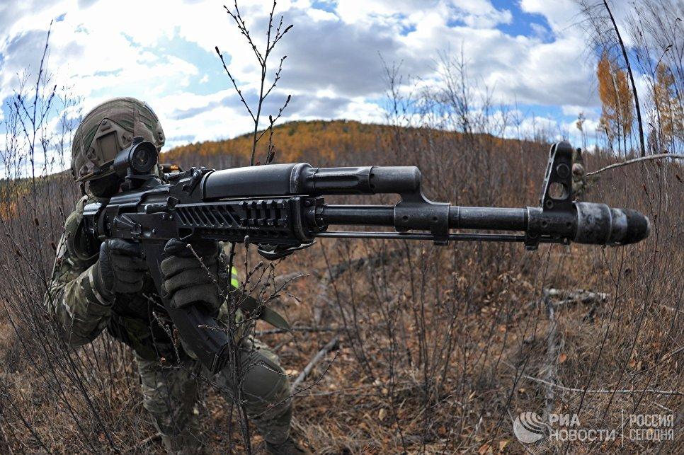 Военнослужащий на тактико-специальных учениях Рельеф-2017 в Забайкальском крае