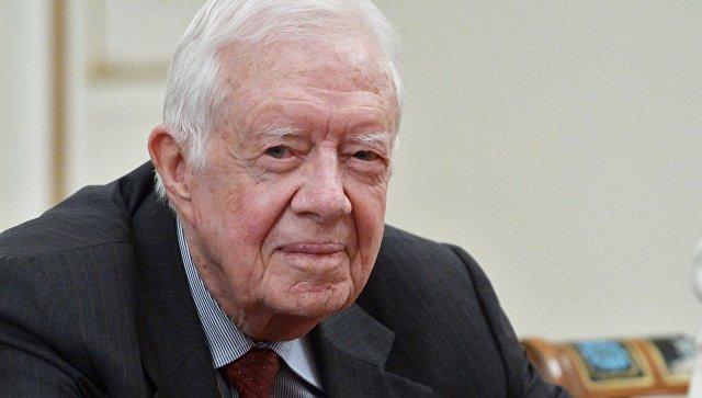 Экс-президент США Джимми Картер заявил, что Белый дом не пускает его в КНДР