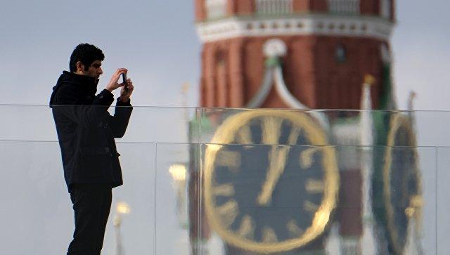 Московские власти демонтировали ограждения вокруг парка «Зарядье»