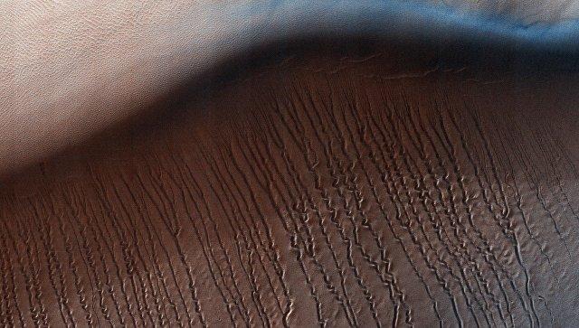 Ученые: Глинистая поверхность старинного  Марса создалась  из-за эффекта паровой бани