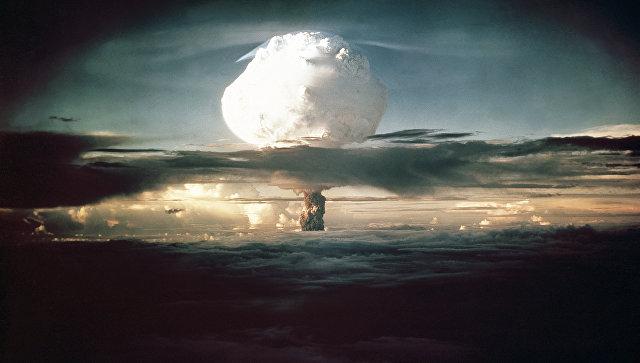 Испытание первой термоядерной бомбы США на атолле Эниветок. 1 ноября 1952